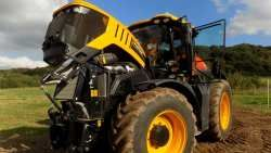 Трактор JCB Fastrac с двигателем AGCO SISU POWER